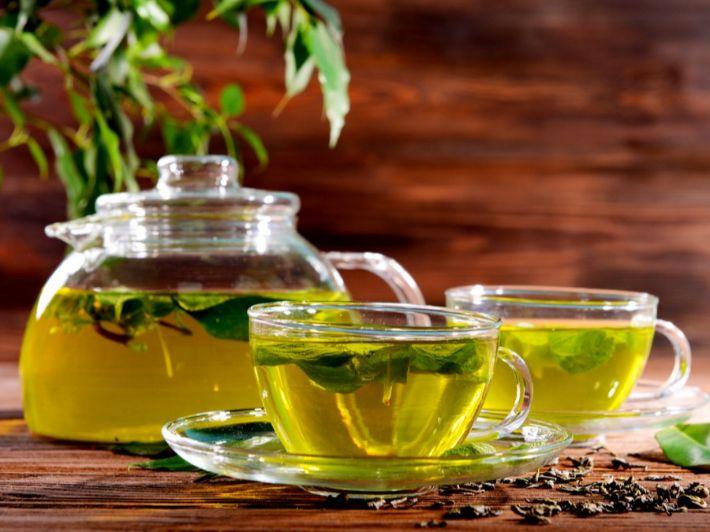 الشاي الأخضر للحامل: هل هو آمن وما هي محاذير تناوله؟