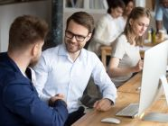 كيف تتعامل مع زملاء العمل؟ كل ما تحتاجه