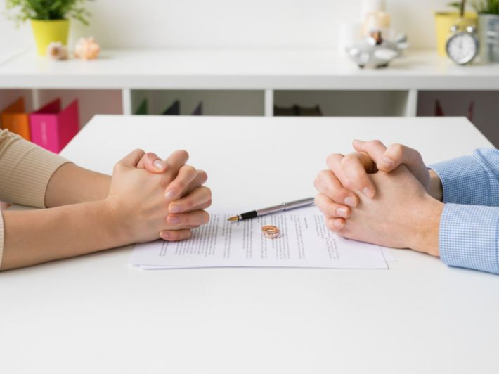 الطلاق: مفهومه، وأسبابه، ونتائجه