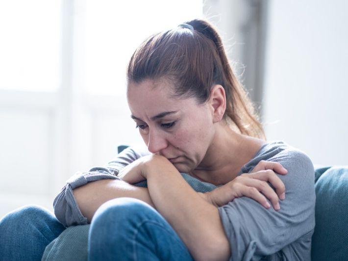 ما هي آثار العنف ضد المرأة؟ أهم الحقائق والمعلومات