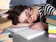 طرق مجربة لمقاومة النوم أثناء الدراسة