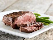 هل أكل اللحم يرفع ضغط الدم؟