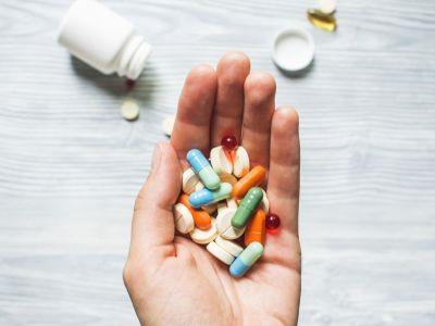 أدوية وقف الإسهال: أنواعها والاستخدام الآمن