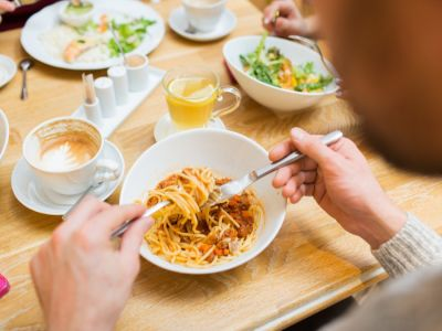 بعد كم ساعة يستفيد الجسم من الطعام؟