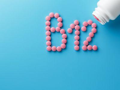 كيف تزيد امتصاص فيتامين ب 12 من الطعام والمكملات الغذائية؟