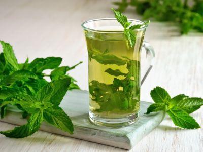 من الطب البديل..إليك (10) أعشاب مفيدة للإمساك