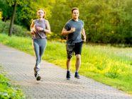 كم سعرة حرارية تحرق رياضة الركض، وكيف تفيد في خسارة الوزن؟