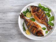 كم سعرة حرارية في السمك المقلي؟