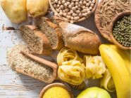 ما هي أنواع الكربوهيدرات؟ وما هي الأنواع التي يجب تناولها؟