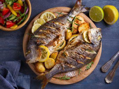 تعرف على القيمة الغذائية للسمك، ومحاذير تناوله