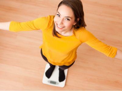 تعرف على طريقة حساب الوزن المثالي للمرأة بالمعادلات والجداول