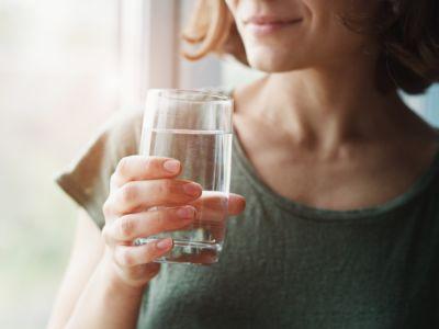 حقيقة أم خرافة: شرب الماء ينقص الوزن!