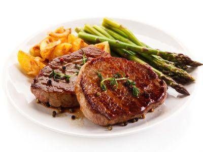 ستيك اللحم: السعرات الحرارية والحصة الغذائية
