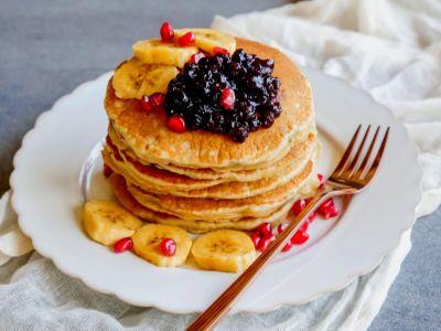 فطور صحي: تحضير البانكيك مع الموز المهروس بطريقة لذيذة وصحية!