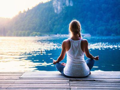 فوائد اليوجا في التخسيس، وأهم تمارين اليوجا لحرق الدهون