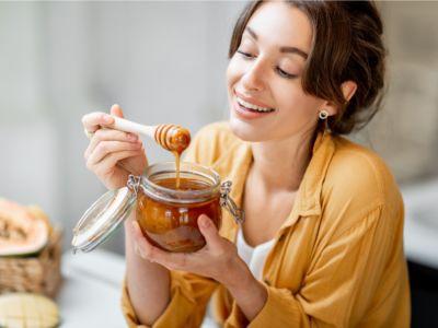 هل العسل والحلبة يزيدان الوزن؟