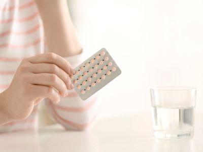 هل تزيد حبوب منع الحمل الوزن؟ تعرفي على الأسباب والحلول
