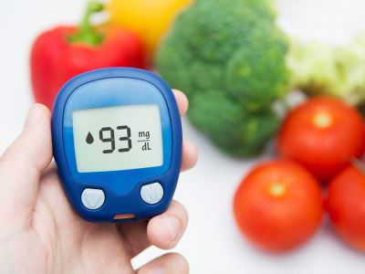 هل تعاني من هبوط السكر إليك أسرع الأكلات التي ترفع السكر في الدم