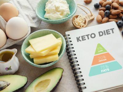"""هل يمكن تناول """"وجبة فري"""" في الكيتو دايت؟ نصائح ووصفات"""