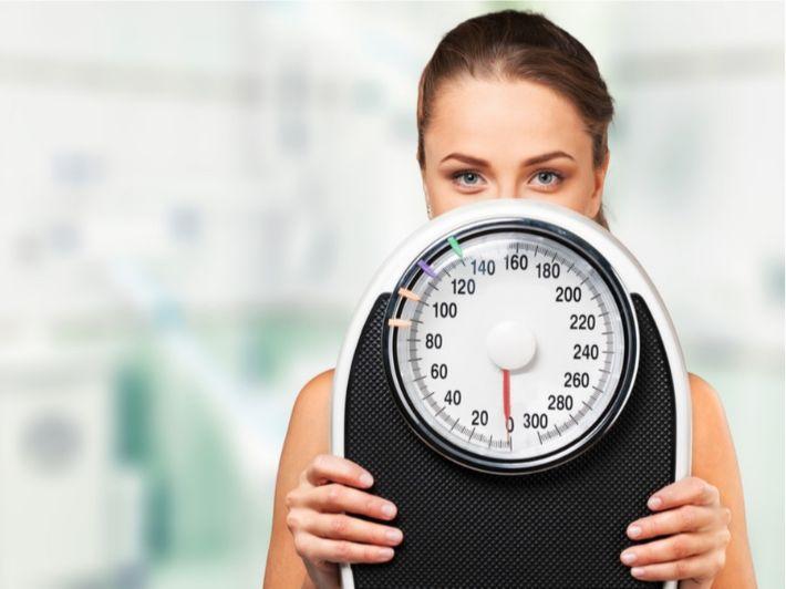 أكثر من 10 أسباب لتوقف نزول الوزن أثناء الرجيم