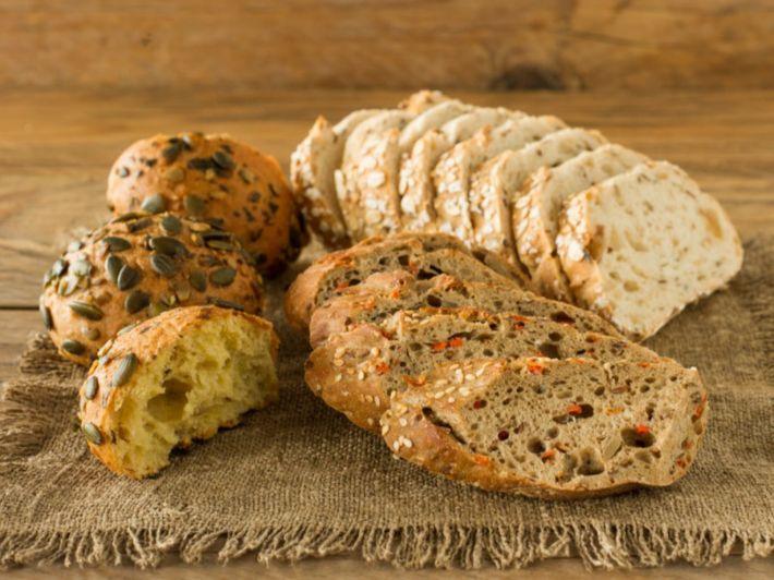 إليك أفضل أنواع الخبز للرجيم