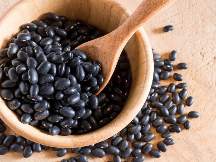 القيمة الغذائية للفاصولياء السوداء وأهم فوائدها