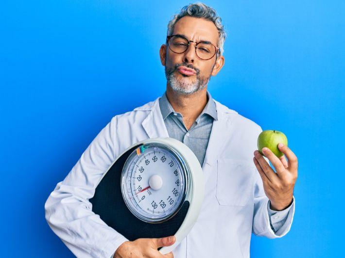 كم تفاحة يمكن تناولها يومياً خلال الرجيم
