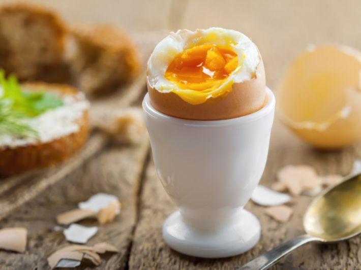 كم تقدر نسبة البروتين في البيض؟