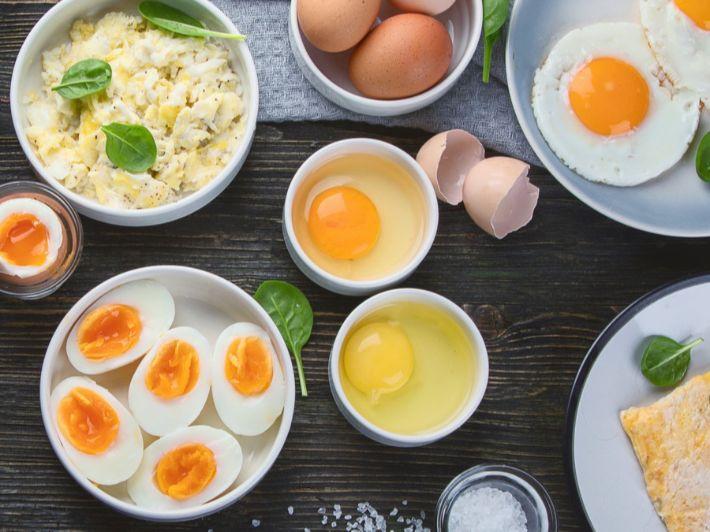 ما القيمة الغذائية للبيض، وهل تختلف بين البيض المقلي والمسلوق!