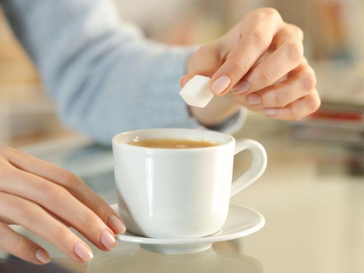 هل تخفيف السكر ينزل الوزن؟