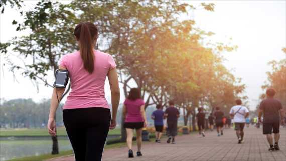 رياضة المشي في الصباح، لصحة ونشاط دائمين