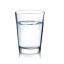 خمسة أكوابٍ من الماء المعدني.