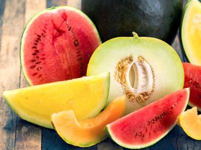 سر كوكتيل البطيخ والشمام اللذيذ