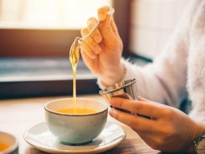 كيفية تحضير العسل والشاي، بطريقة صحية
