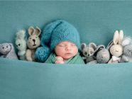 كيف أعود طفلي الرضيع على النوم دون هز؟