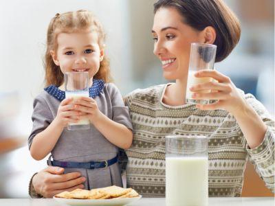 أطعمة ونصائح لتقوية عظام طفلك