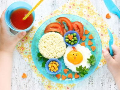 أكلات لتقوية ذاكرة طفلك، وصفات وأفكار سهلة!
