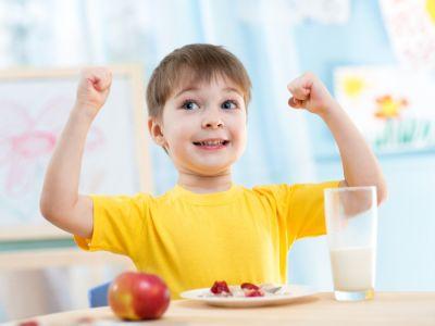 أهم النصائح لبناء عظام قوية لطفلك