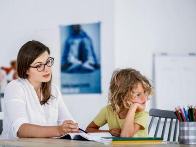 طرق علاج فرط الحركة وتشتت الانتباه: الأدوية، والعلاج السلوكي