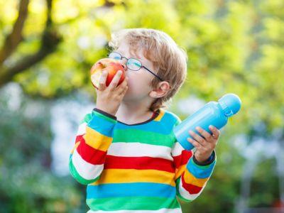 لطفلك في المدرسة: أكلات تساعد على التركيز