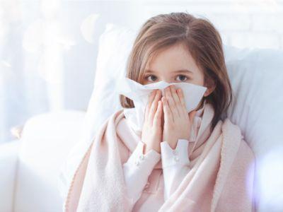 ما هي أسباب وعلاجات سيلان الأنف عند الأطفال؟
