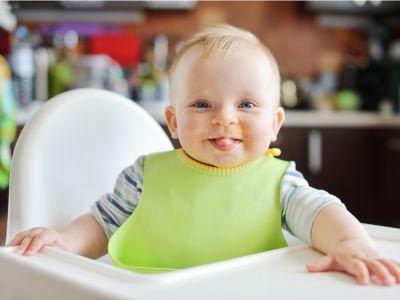 نصائح لاختيار كرسي أكل مناسب لطفلك، وأهم شروط الأمان