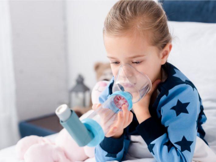 كيفية استخدام وتنظيف بخاخ الربو للأطفال