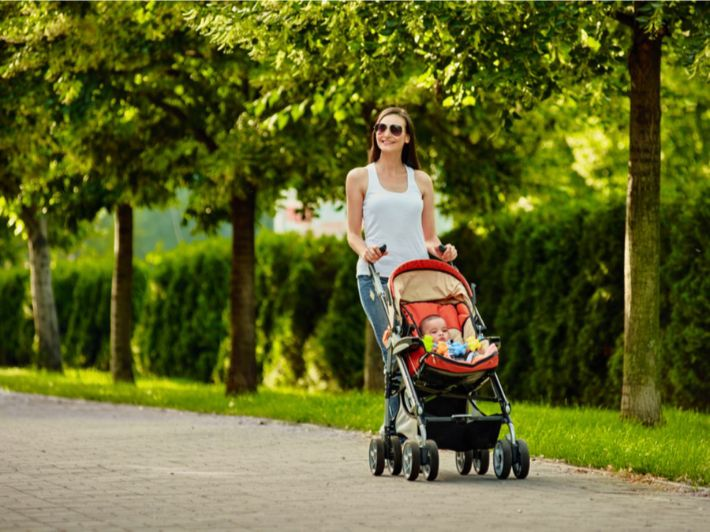 كيف تختاري عربة مناسبة لطفلك