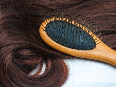 إليكِ أفضل الطرق لحل عقد الشعر