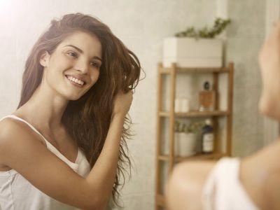اللبن لتنعيم الشعر: فوائد ووصفات منزلية مجربة!