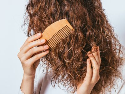 فرد الشعر المموج: طرق ونصائح