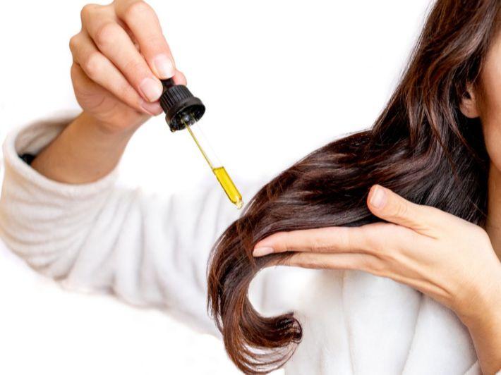أفضل 5 زيوت لتساقط الشعر