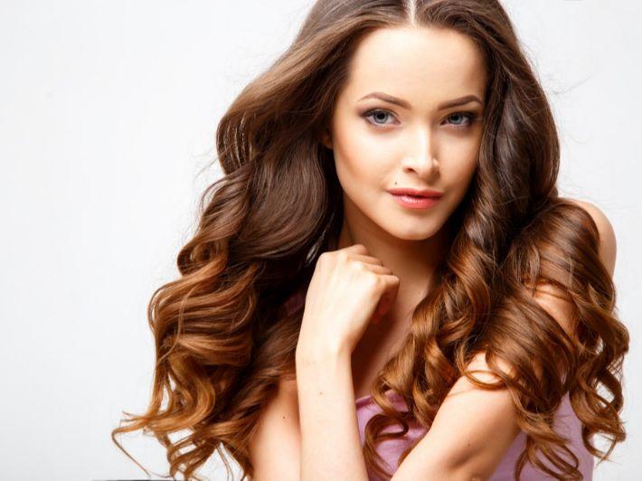 تعرفي على أبرز الوصفات الطبيعية لتغذية الشعر الجاف
