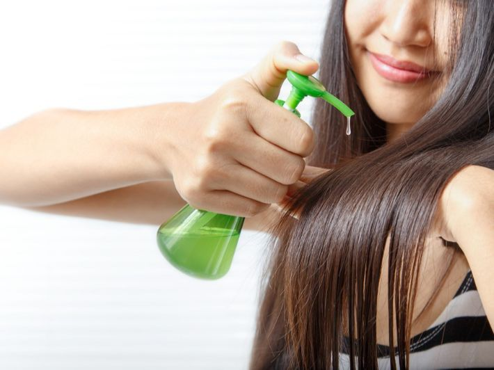 تعرفي على وصفات منزلية سهلة لتمليس الشعر الجاف